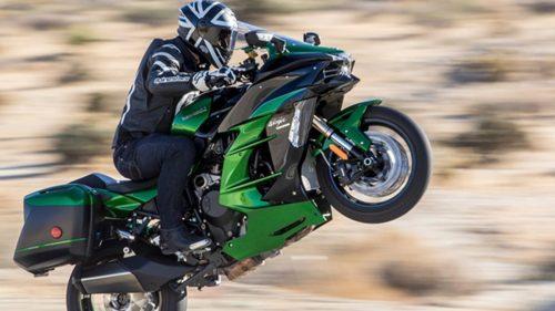 Best Open-Class Streetbike—2018 Kawasaki Ninja H2 SX SE